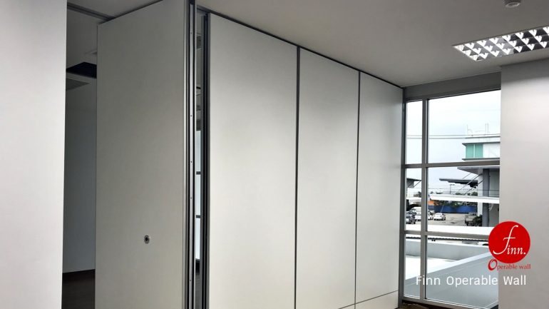 Woori Mold. @ Reference Projects. Meeting & Training Room :: Finn Operable wall systems.