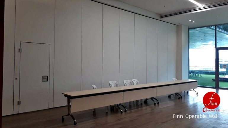 ByBUZZ@Bangkok Reference Projects. Meeting & Training Room :: Finn Operable wall systems.